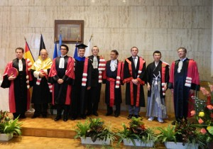 Prof. Yury Gogotsi with other awardees.